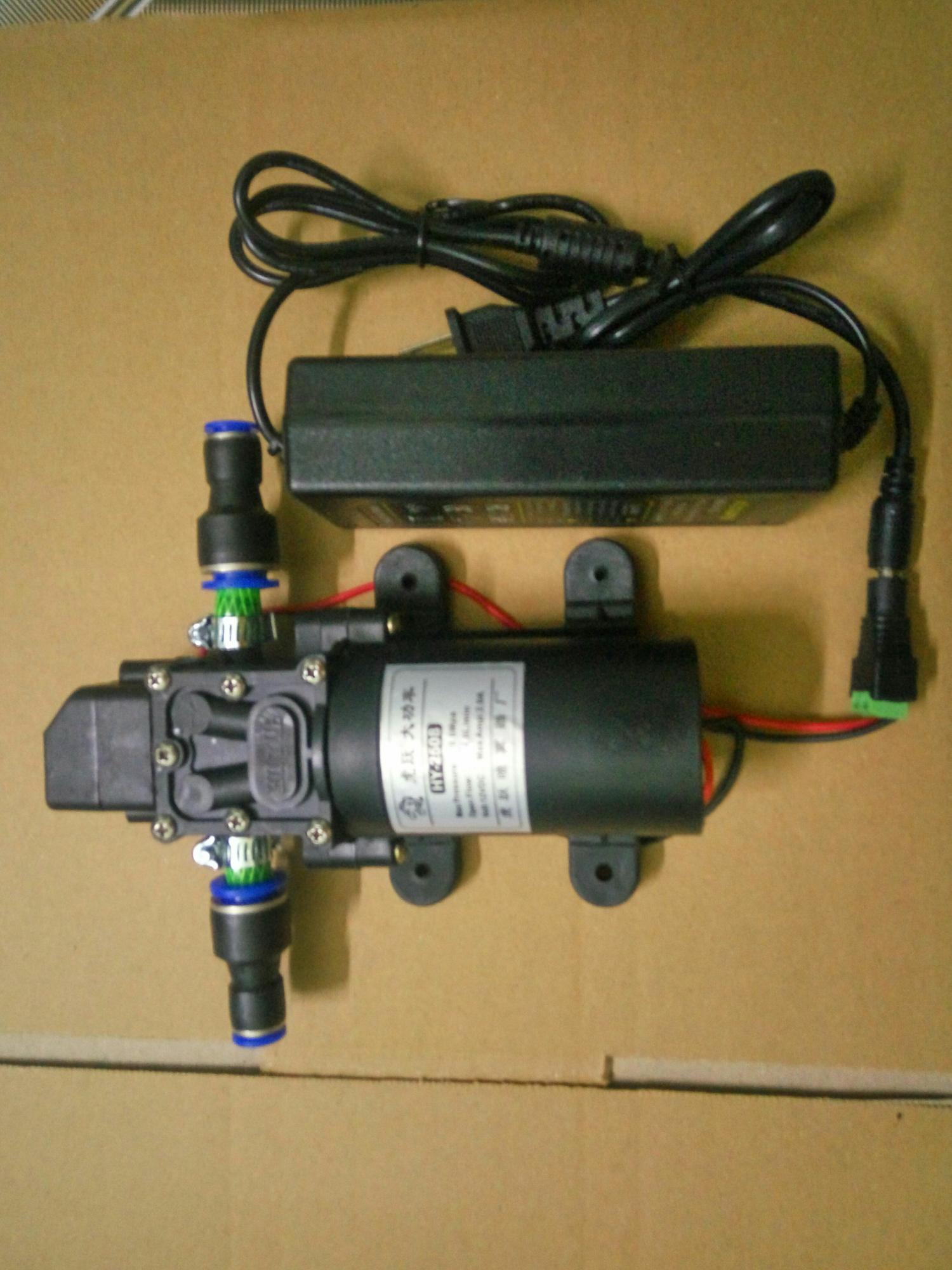Hình ảnh Bơm mini 12v phun sương tặng kèm adapter 220-12v 60w 4lit/phut có sẵn đầu nối ống phun sương