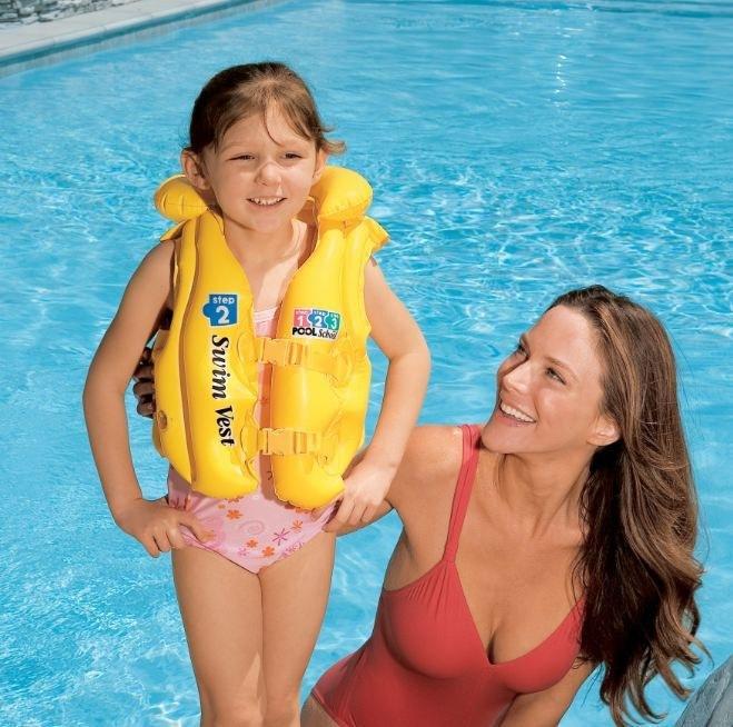Hình ảnh Áo phao bơi có viền đỡ cổ, lưng thăng bằng an toàn (Cho bé từ 12 đến 25Kg, giao màu ngẫu nhiên)