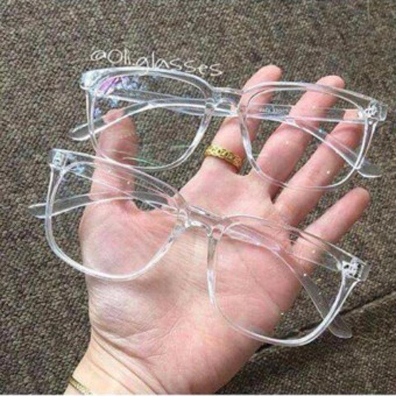 Mắt kính gọng nhựa trong suốt