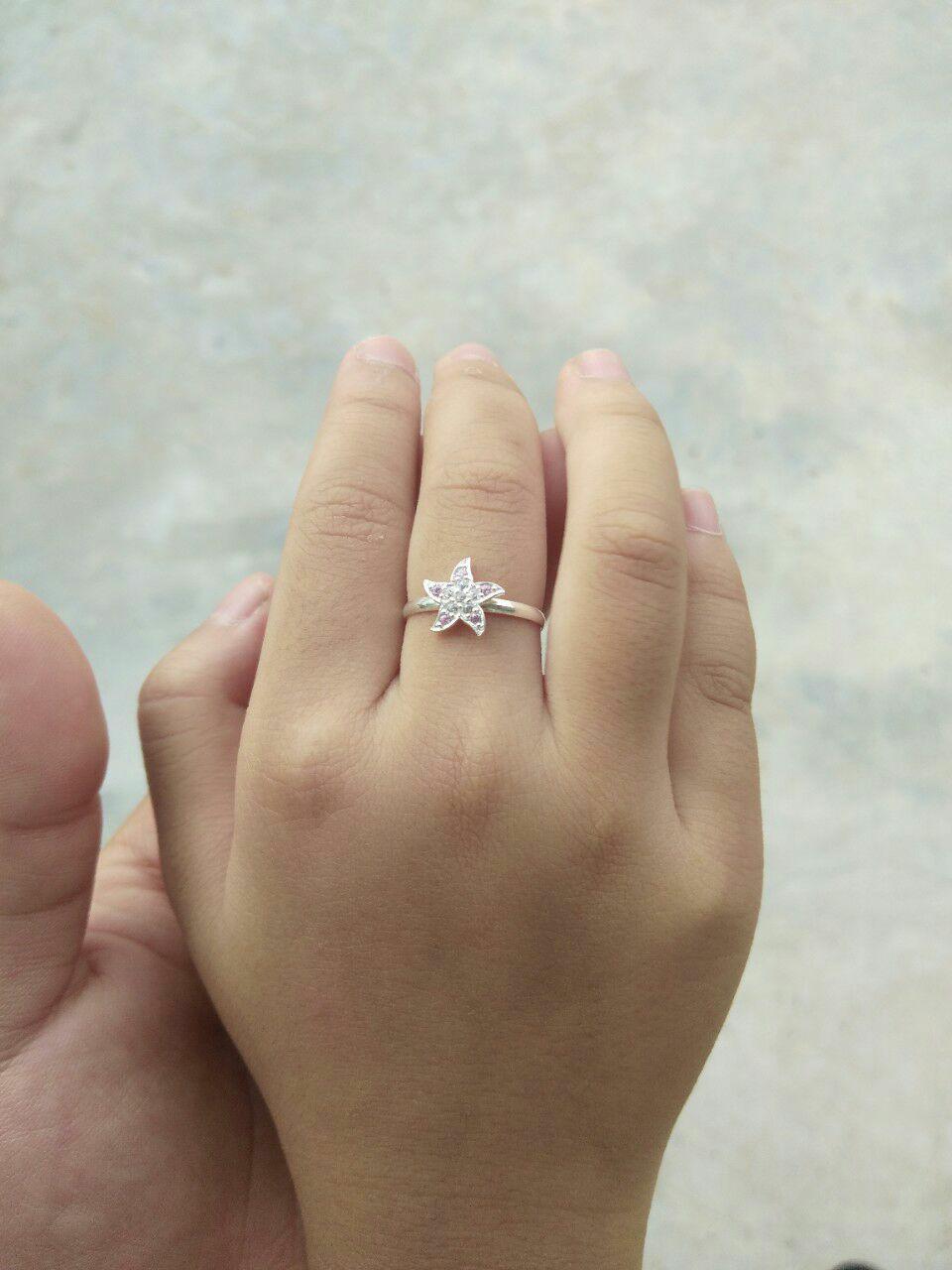 Hình ảnh Nhẫn bạc ta hình ngôi sao đính đá tự nhiên Dành cho bé