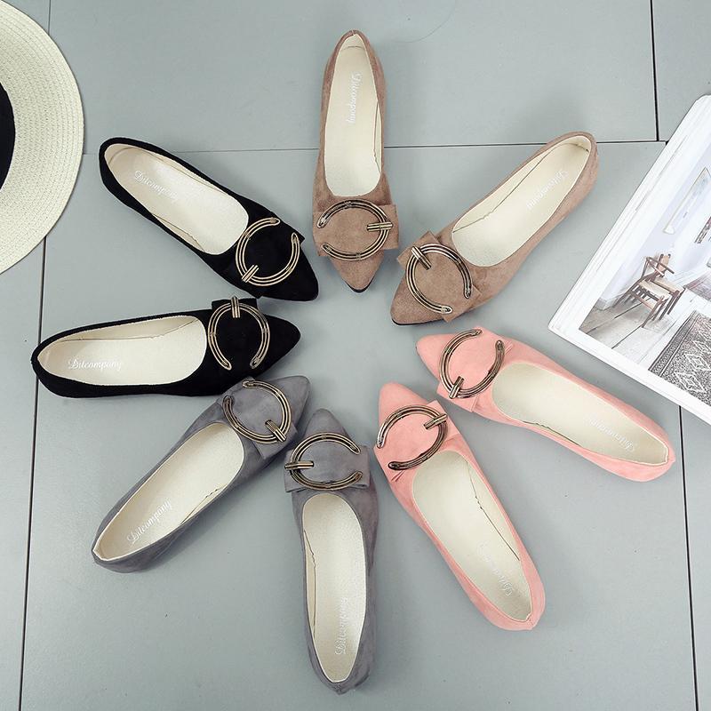 Sharp End Daftar Sepatu Adalah Perempuan 2018 Gaya Baru Sepatu Wanita Dangkal Logam Tombol Up Joy Sepatu Santai Han Ban datar Bawah 100 Yang Pemalas Bean Bean Sepatu-Intl