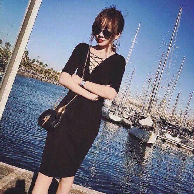 Đầm body cổ đan chéo cực xinh