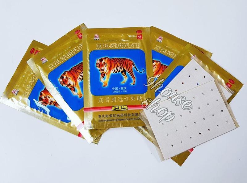 30 Gói Cao Dán Con Cọp - nhãn 2 cọp (1 gói 4 miếng) nhập khẩu
