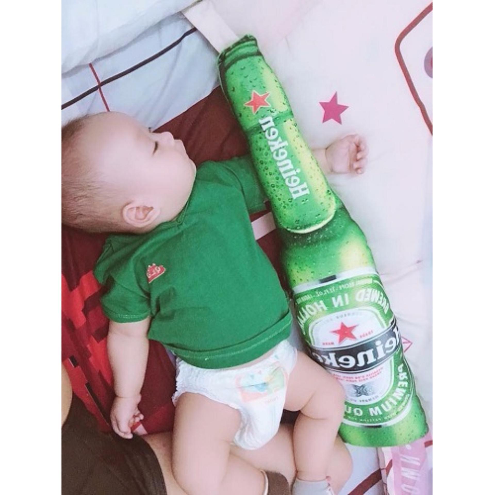 Giá Bán Rẻ Nhất Bộ 8 Gối Om 3D Hinh Ca Chep Va 12 Chai Bia Heineken