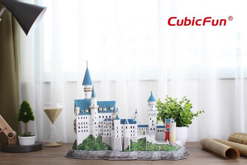 Hình ảnh Mô hình giấy Cubic Fun lâu đài NEUSCHWANSTEIN (đèn) - L174h