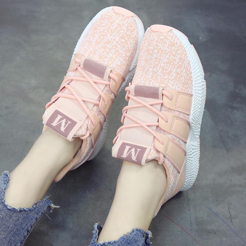 Hình ảnh giày Sneaker nam nữ kiểu dáng mới lạ 083