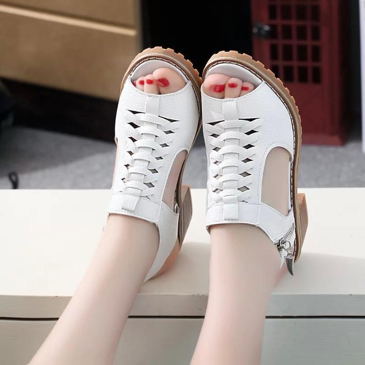 รองเท้าลำลองสตรี คลาสสิค ปลายมล By Taobao Collection.