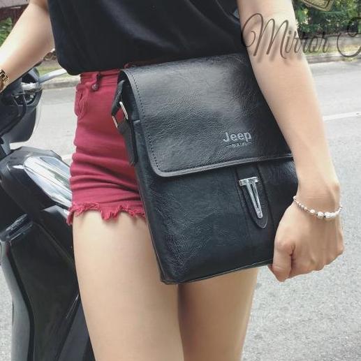 Hình ảnh Túi đeo chéo đựng ipad phong cách cực cá tính cho phái nữ