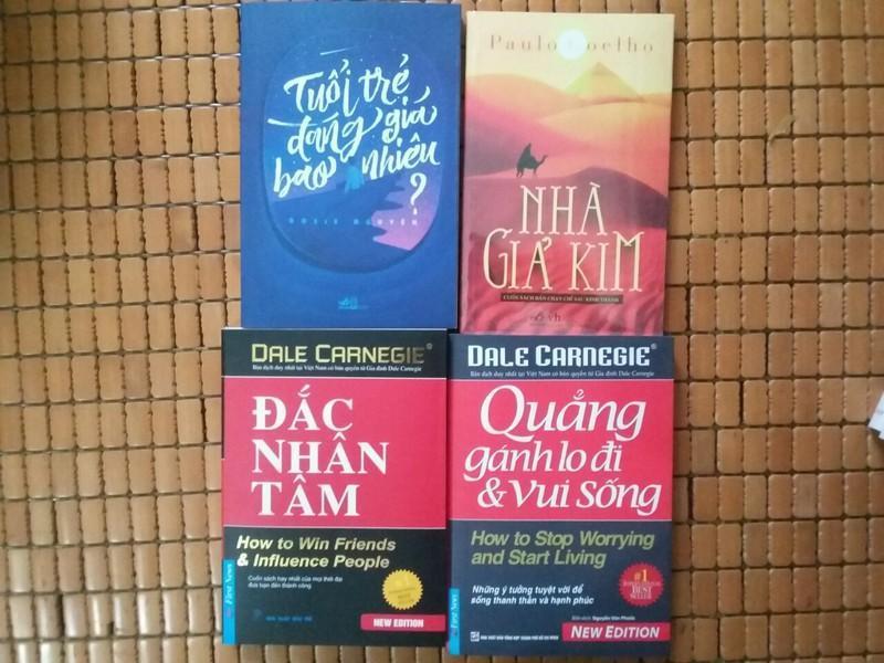 Mua combo 4 cuốn Tuổi Trẻ ĐÁng Giá Bao Nhiêu - Nhà Giả Kim - Đắc Nhân Tâm - Quẳng Gánh Lo Đi Và Vui Sống