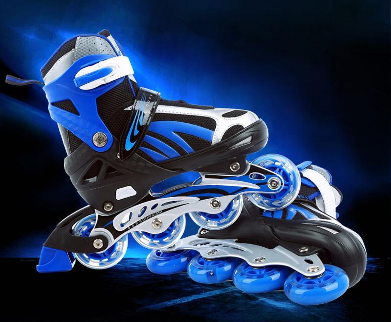 Giày Patin 4 bánh LED size tùy chỉnh từ 39-43 (size người lớn) tặng bộ phụ kiện 5 món hấp dẫn
