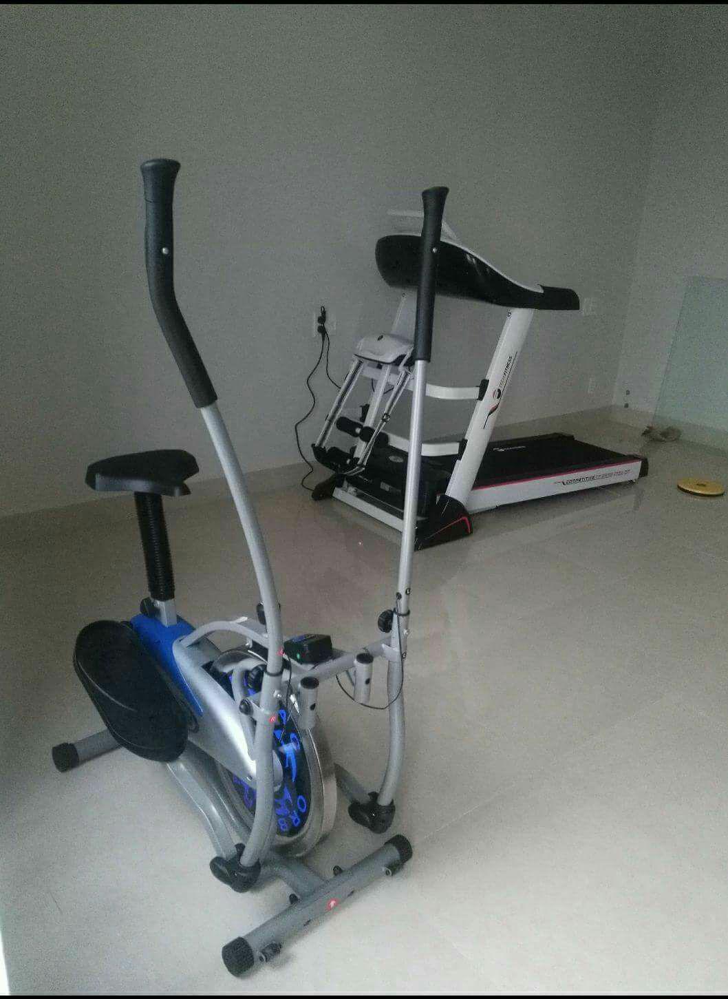 Hình ảnh Máy chạy bộ, xe đạp tập, giàn tạ, bàn bóng bàn