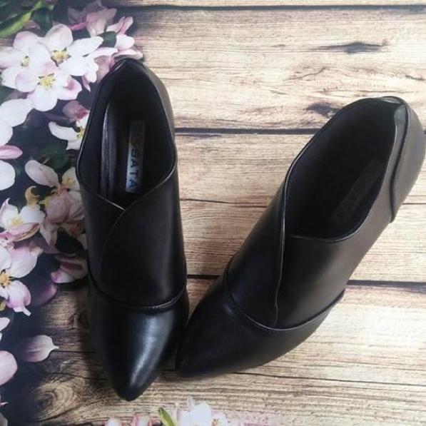 Giày boot nữ đẹp Rosata cổ thấp kiểu dáng RO35 giá rẻ