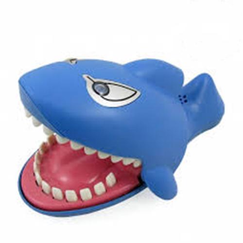 Hình ảnh Trò chơi khám răng cá mập