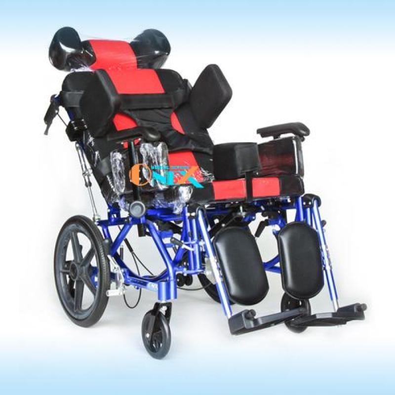Xe lăn dành cho người yếu liệt và chăm sóc sau tai biến OneX tặng bộ dây an toàn nhập khẩu