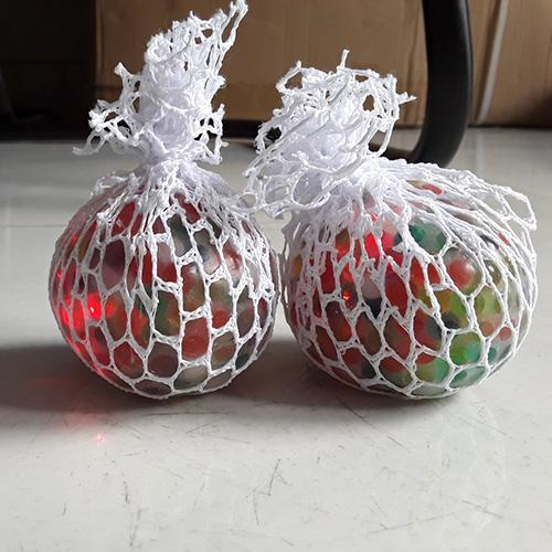 Hình ảnh Đồ chơi quả trứng lưới nhiều màu, phát sáng