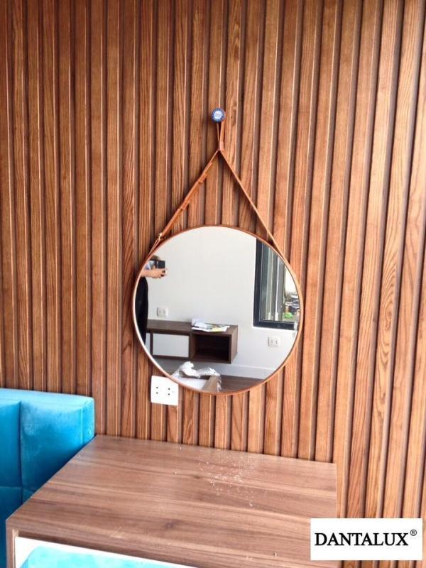Gương tròn treo dây da phôi Bỉ KT 40x40