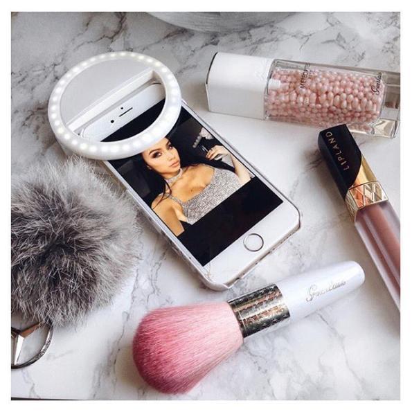 Hình ảnh Đèn selfie Ring light cho điện thoại tặng kèm dây sạc ( loại xịn ) + Tặng kèm thẻ tích điểm KoreaStore