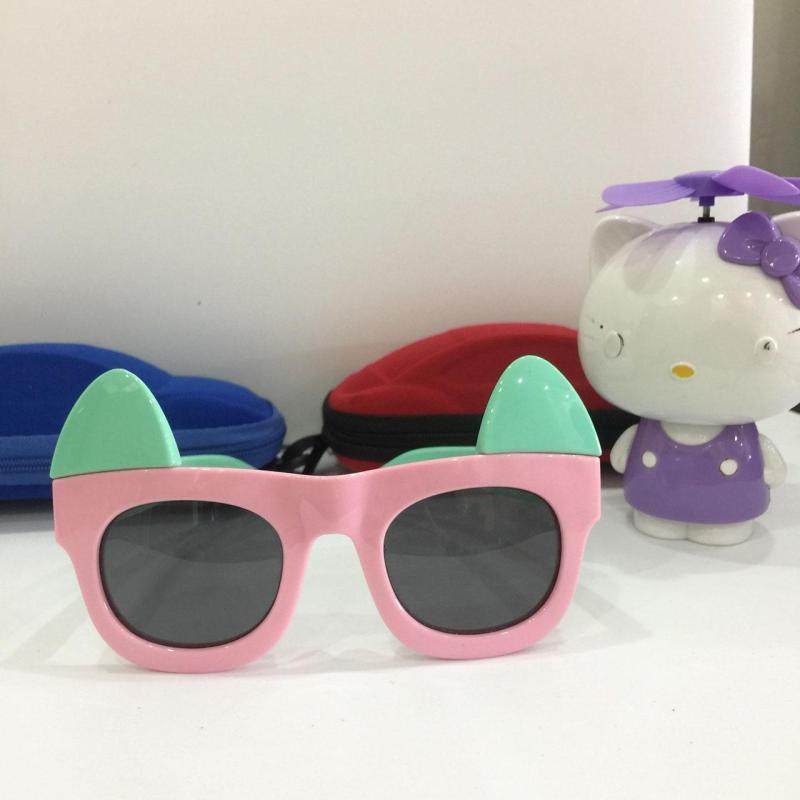 Giá bán [LƯU Ý] Kính mắt đón hè cho bé xinh chống UV, chống chói mắt, an toàn G155-41 + Tặng hộp đựng phong cách