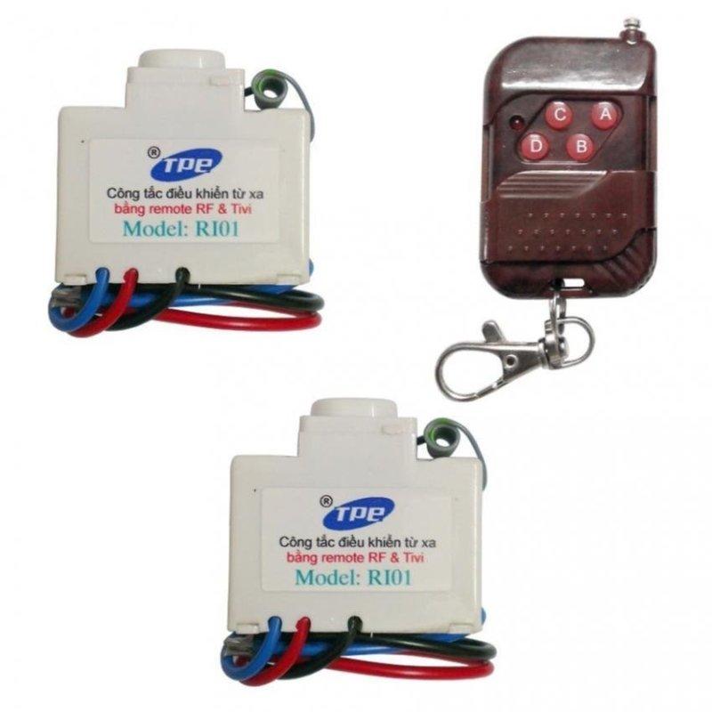 Bộ 2 công tắc điều khiển từ xa IR + RF TPE RI01 + Remote RF vỏ vân gỗ R1VG315