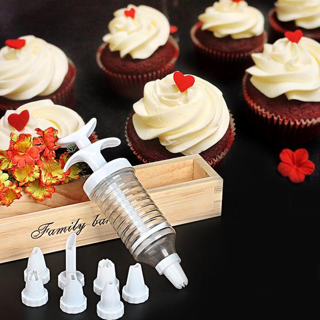 Bộ 8 món trang trí bánh kem và 1 dụng cụ xay nhuyễn tỏi ớt Dongkhoi
