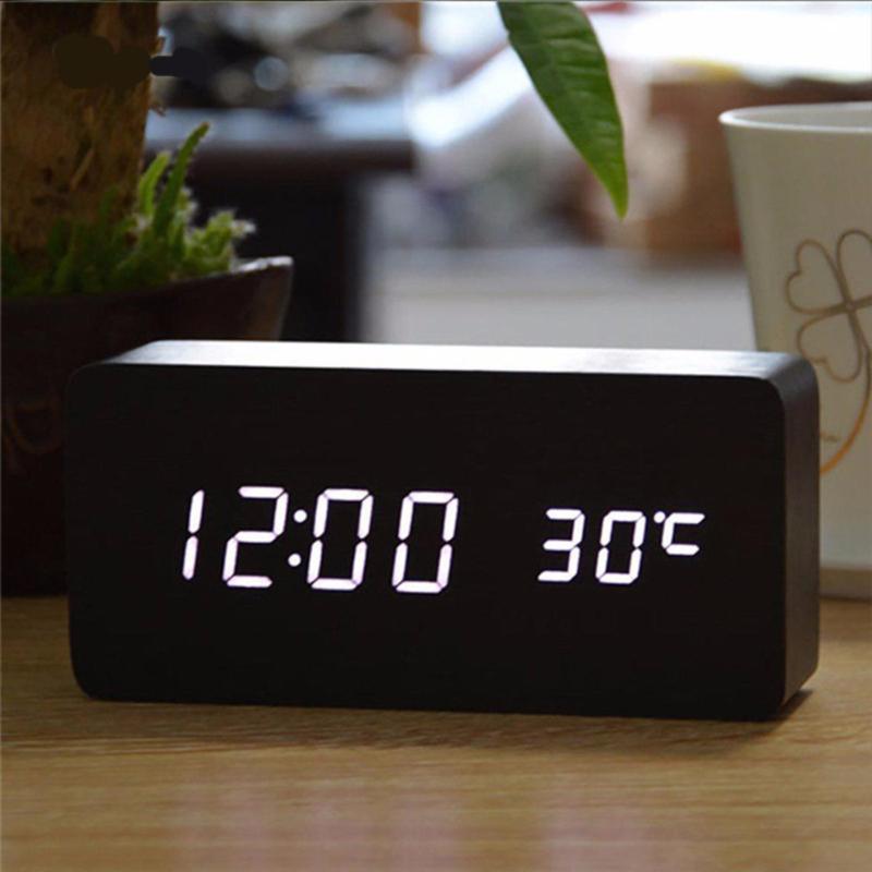Nơi bán Đồng hồ báo thức để bàn chữ nhật Cloud Store