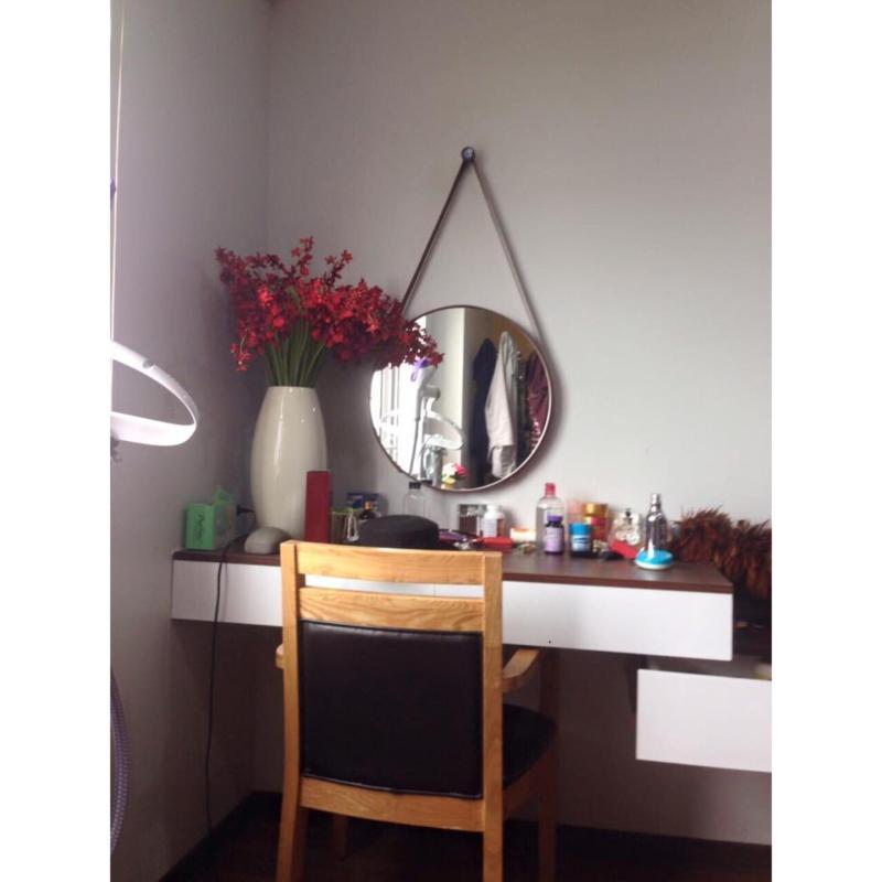 Gương bàn trang điểm dây da 60cm