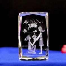 Giá KM Tháp pha lê in hình 3D quà tặng Valentine