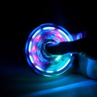 CON QUAY 3 CÁNH TRONG SUỐT CÓ ĐÈN LED CỰC ĐẸP Fidget Spinner - 8645632 , OE680TBAA52U2QVNAMZ-9356434 , 224_OE680TBAA52U2QVNAMZ-9356434 , 99000 , CON-QUAY-3-CANH-TRONG-SUOT-CO-DEN-LED-CUC-DEP-Fidget-Spinner-224_OE680TBAA52U2QVNAMZ-9356434 , lazada.vn , CON QUAY 3 CÁNH TRONG SUỐT CÓ ĐÈN LED CỰC ĐẸP Fidget Spinner