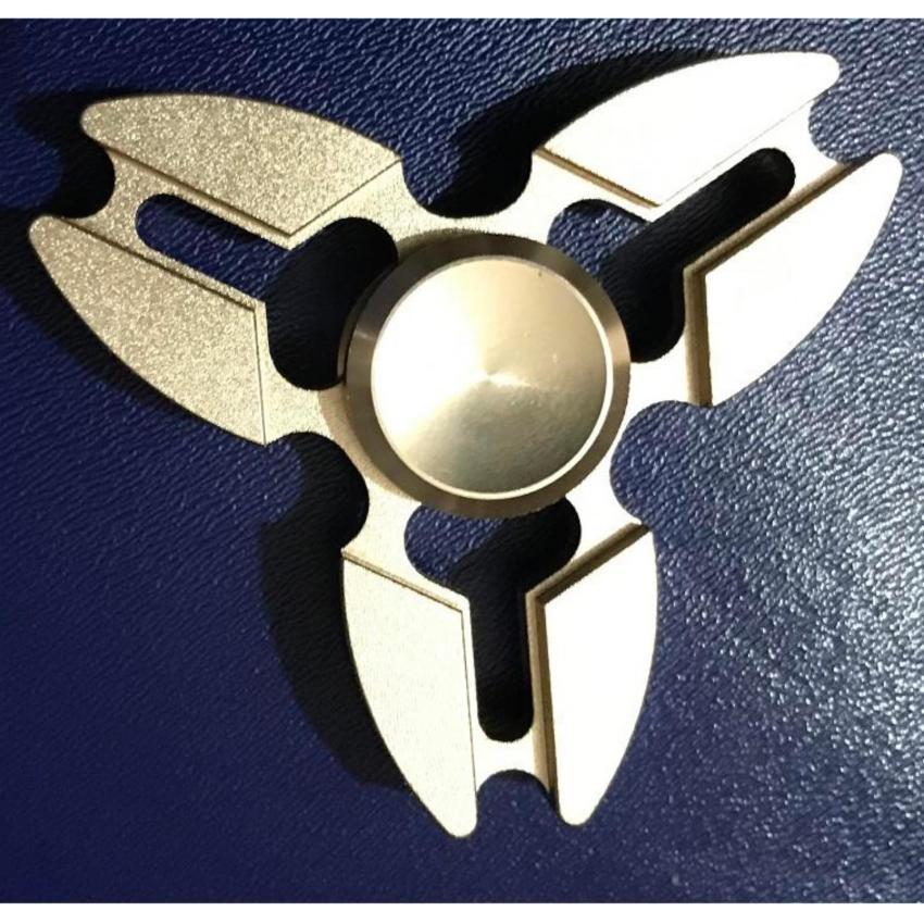 Hình ảnh Con quay spinner 3 cánh kim loại nguyên khối cao cấp (vàng đồng).