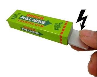 One Pack of Shocking Gum, Funny Shock Gag (Random Color) - intl