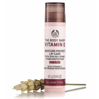 Son dưỡng môi THE BODY SHOP Vitamin E Lip Care SPF 15 4.4g