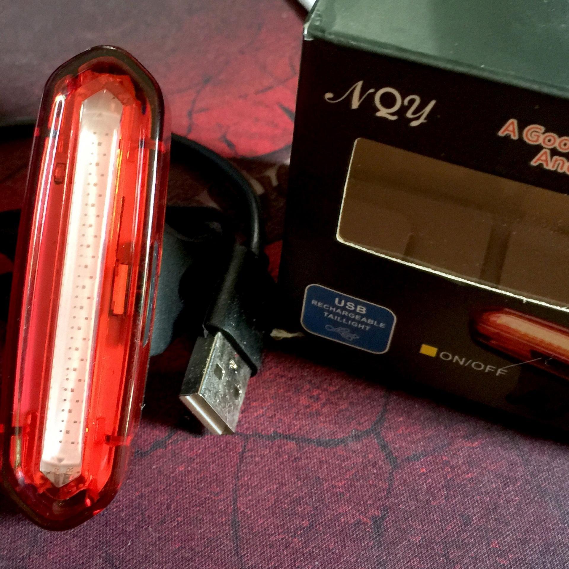 Đèn Led dành cho xe đạp thể thao an toàn hơn trong đêm