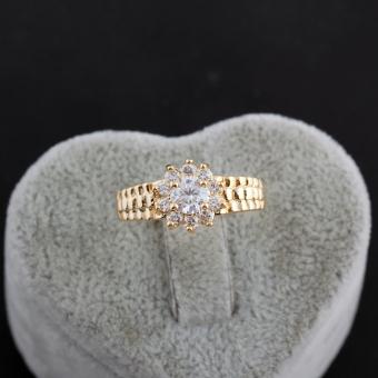 Bling Flower Shape Diamante Finger Ring 18K Gold Filled Gold (Intl)