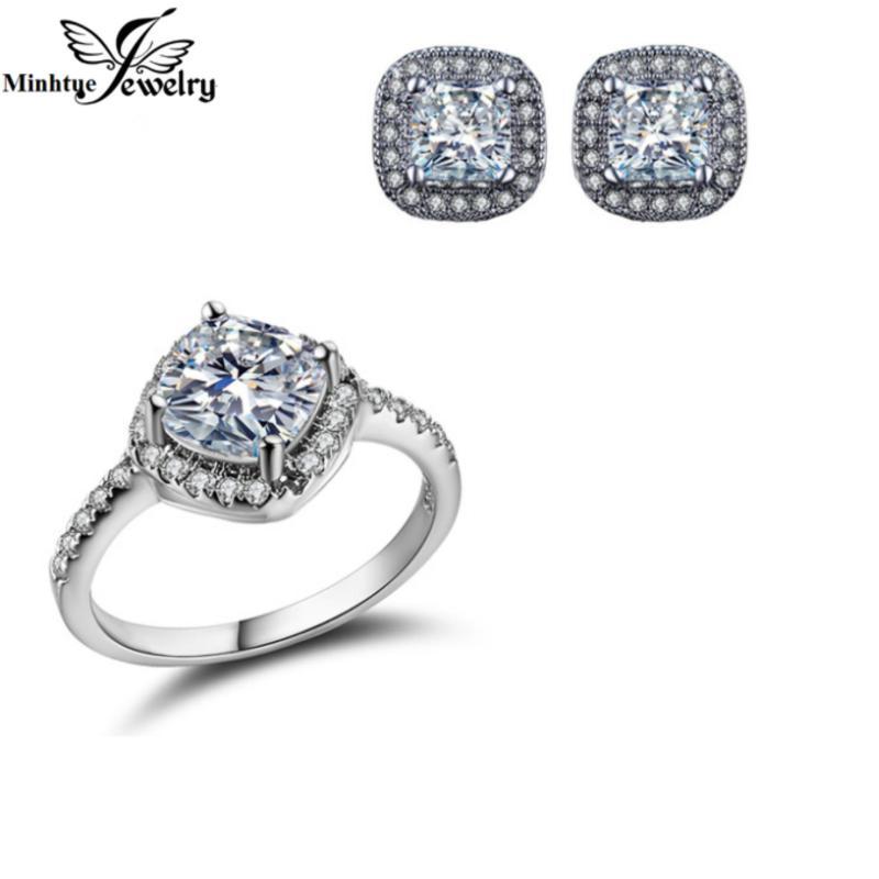 Bộ trang sức nhẫn bạc và khuyên tai thời trang SBT071