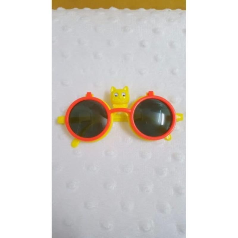 Mua Kính mát trẻ em con mèo chống nắng (Cam vàng)  + Tặng 1 đôi găng tay lót nỉ siêu cute + Tặng 1 đôi dép nỉ đi trong nhà